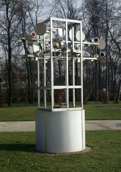 Chronos 10 Sculpture by Nicolas Schoffer (1912-1992) 20th century Paris Bois de Vincennes