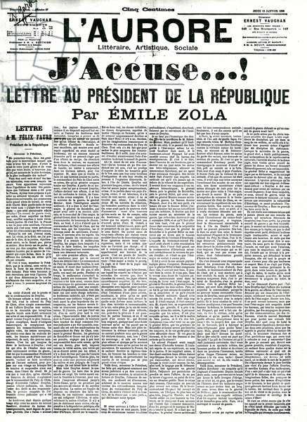 """One of the Aurora presenting the article """""""" I accuse, letter to the president of the republic"""""""" by the French writer Emile Zola (1840-1902) at the time of the Dreyfus case on 13/01/1898. Private collection"""
