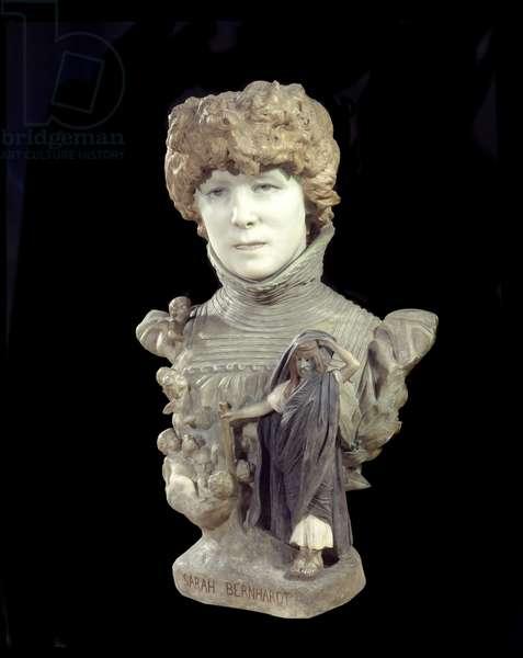Marble bust of comedian Henriette Rosine Bernard called Sarah Bernhardt (1844-1923). Sculpture by Jean Leon (Jean-Leon) Gerome (1824-1904) 1895 around Paris, musee d'Orsay