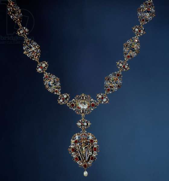 Necklace of the Emperor of the Holy Empire, King of Bohemia and King of Hungary Rodolph II (1552-1612) in enamel, gold and fine stone with pendant depicting scenes of the Passion. 16th century. Paris, Louvre Museum