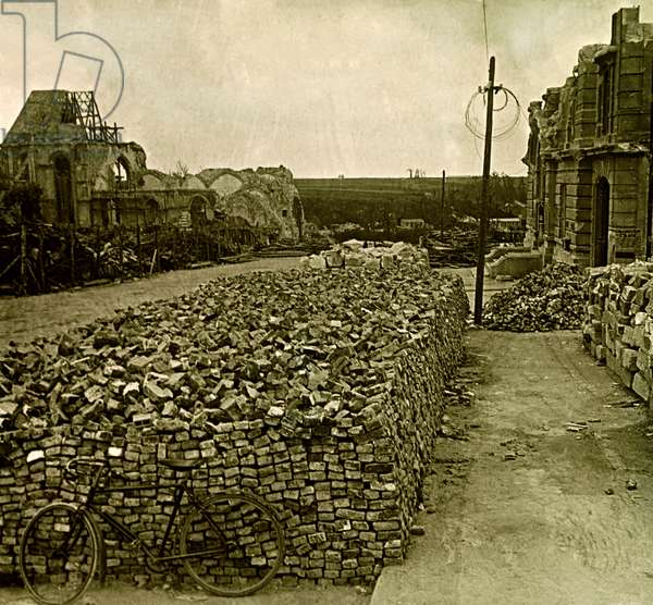 Stereoscopic glass plate on the First World War (1st, Iere, 14-18 or 1914-1918) (The First World War; WWI): Montdider, the Ruins, Private Collection