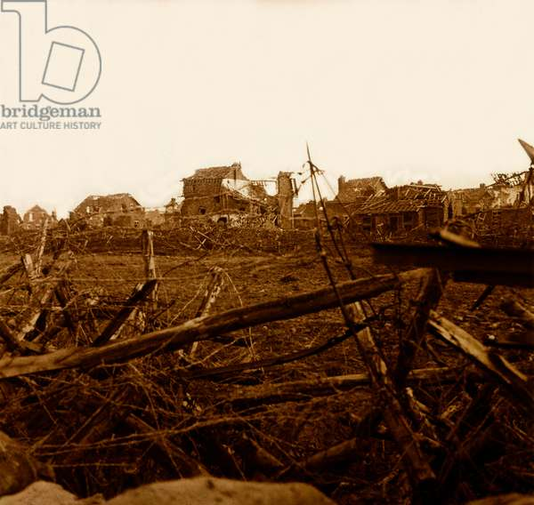 Stereoscopic glass plate on the First World War (1st, Iere, 14-18 or 1914-1918) (The First World War; WWI): In Artois, German trench in front of the village of Cornailles, Private Collection