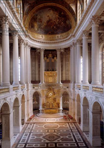 View of the royal chapel made by Hardouin-Mansart in 1709 and consecrated by Cardinal Noailles in 1710. Versailles Castle