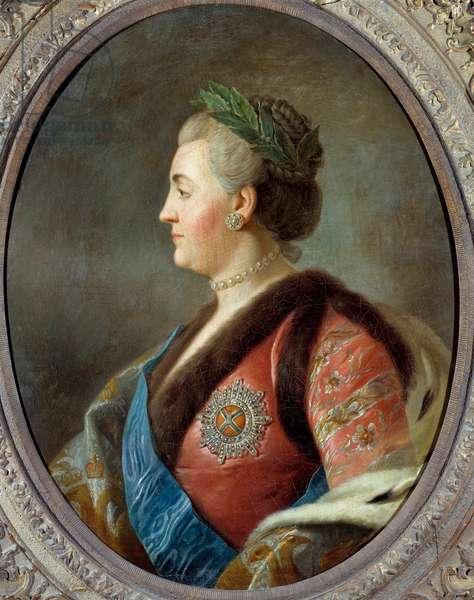 Portrait of Catherine II (1729-1796), Imperator of Russia Painting by Pietro Antonio Rotari (1707-1762) 18th century Sun. 0,79x0,63 m  - Portrait of Catherine II (1729-1796), Empress of Russia. Painting after Pietro Antonio Rotari (1707-1762), french scool, 18th century. 0.79 x 0.63 m.