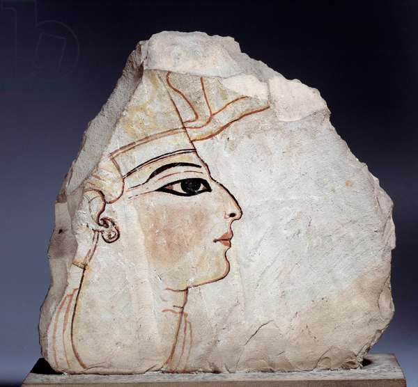 Egyptian antiquite: ostrakon (or ostracon) (plural: ostraca or ostraka), limestone pottery shards with royal profile. 19th dynasty (1295-1186 BC). Paris, Louvre Museum