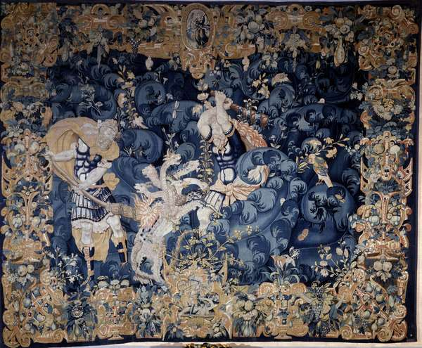 Hercules shooting down the Hydra of Lerne that burns his servant Iolas Tapestry wool and silk, anonymous, late 16th century. Look, Renaissance National Museum.