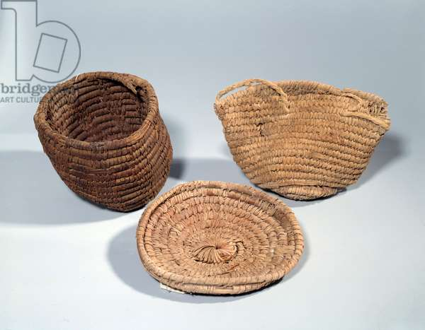 Egyptian antiquite: baskets in baskets. Second intermediate period (around 1710-1550 BC), new empire (around 1550-1069 BC). From Gebel Zeit. Paris, Louvre Museum