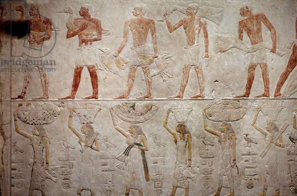Egyptian antiquite: men carrying ducks. Limestone relief from the Chapel of Mastaba of Akhethetep in Saqqara. 5th dynasty (around 2500-2350 BC) 2300 BC. Paris, Louvre Museum
