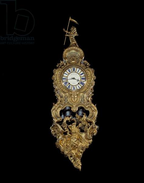 """Pendulum grand cartel """""""" The winning love """""""" in golden bronze made by Charles Cressent (1685-1761), 18th century. Versailles, Musee Du Chateau"""