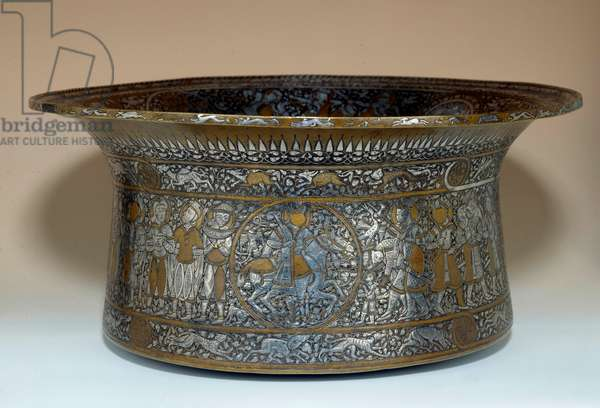 Baptistere basin of Saint Louis copper and silver basin made by Muhammed ibn-al-Zayn (14th century). From Egypt or Syria. Paris, Louvre Museum