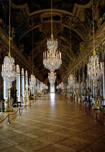 View of the restored Hall of Mirrors (Galerie dese Glaces) in the Versailles Castle (photo)