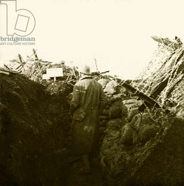 Stereoscopic glass plate on the First World War (1st, Iere, 14-18 or 1914-1918) (The First World War; WWI): In Champagne, casing at Mount Cornillet, Private collection