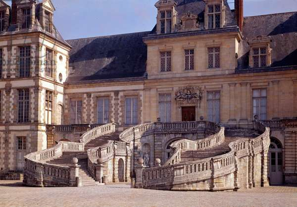 Renaissance architecture: the large staircase of the castle of Fontainebleau.