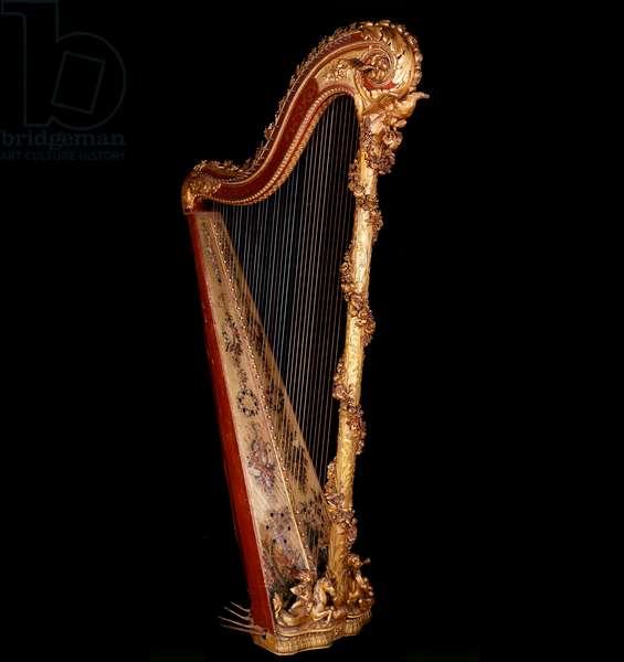 Art France: Harp of the Queen of France Marie Antoinette (1755-1793), 18th century. Paris, Conservatoire National de Musique