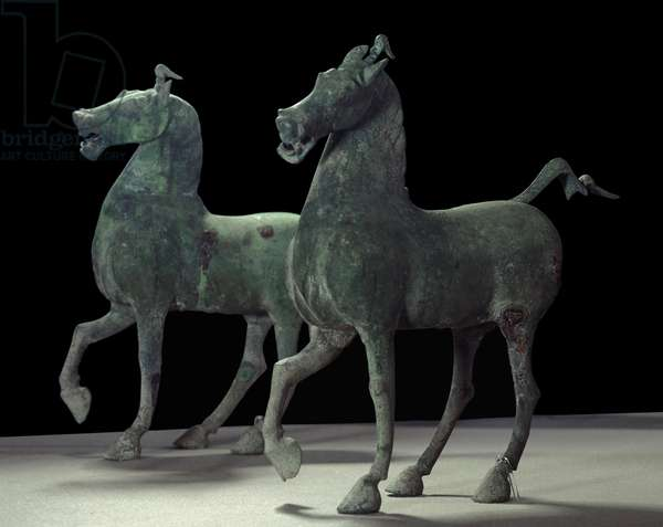 Chinese art: horses. Bronze sculpture. Epoqua Han posterieur (24-220 AD) Private collection