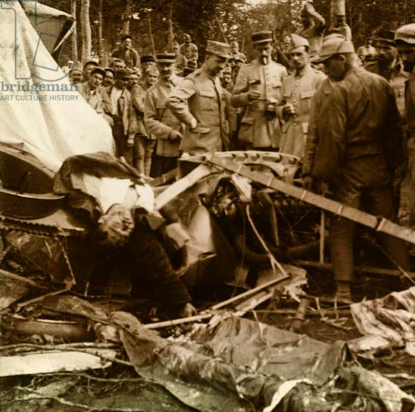 Stereoscopic glass plate on the First World War (1st, Iere, 14-18 or 1914-1918) (The First World War; WWI): Verdun, German plane shot down, Private collection