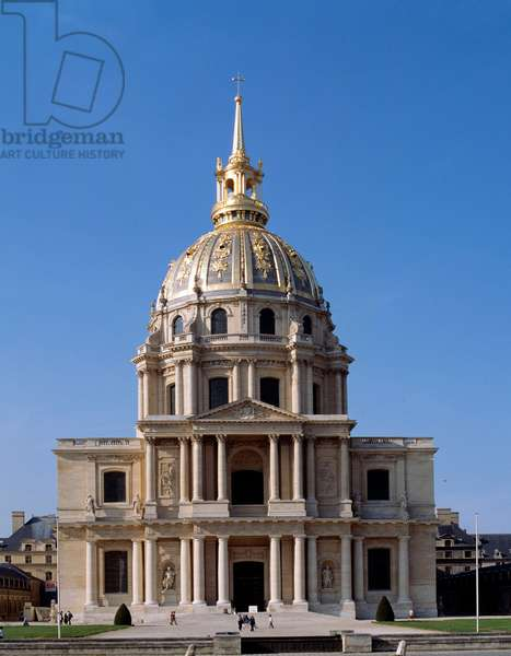 View of the Hotel des Invalides, a Parisian monument, whose construction was ordered by Louis XIV in 1670. Paris