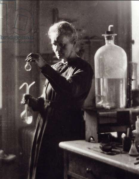Portrait of the physicist Marie Curie (Maria Curie Sklodowska or Sklodovska) (1867-1934) in her laboratory in 1925. Paris, Library of the Institut Curie