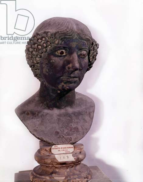 Roman antiquite: bust of Roman lady from Pompei (1st century AD).