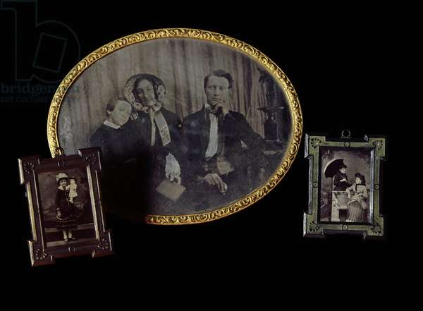 Family photographic portraits. Daguerreotypes from the beginning of the 20th century. Paris, CNAM