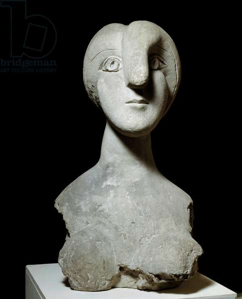 Bust in stone woman Boisgeloup. Sculpture by Pablo Picasso (1881-1973) 1931 Paris, Musee Picasso