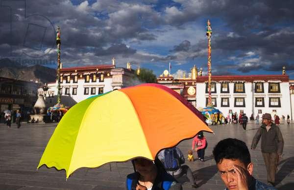 Evening light Lhasa, Tibet (photo)