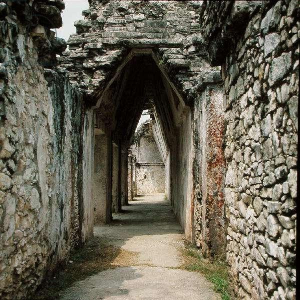 Mayan vault, Late Classic Maya (photo)