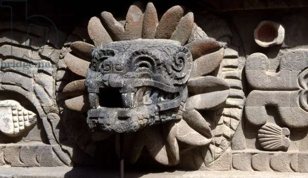 Head of Quetzalcoatl, Temple of Quetzalcoatal at Teotihuacan, Mexico, Early Classic period (100-300 AD) (photo)