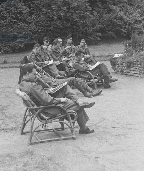Allied servicemen in Darmstadt, Germany, May 1945 (b/w photo)