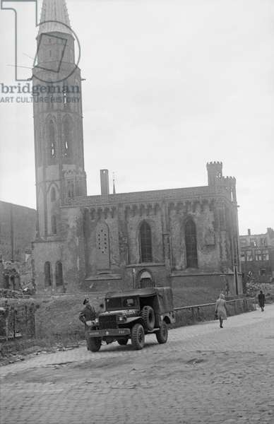 Nikolaikirche, Frankfurt, Germany, May 1945 (b/w photo)
