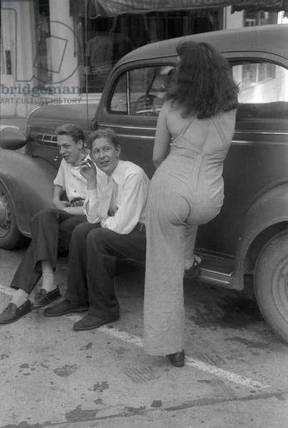 Chester Kallman, W.H. Auden and Jean Connolly, Amenia, New York, summer 1941 (b/w photo)