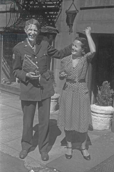 W. H. Auden and Tania Kurella Stern, New York City, August 1945 (b/w photo)
