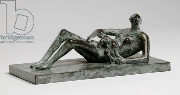 Reclining Mother and Child, 1979 (bronze with green patina)