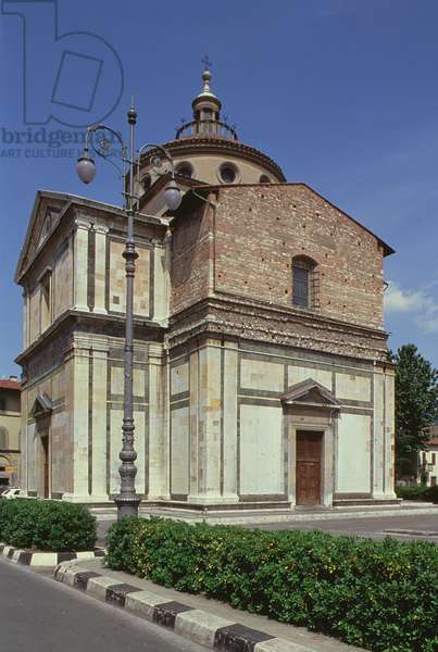 Exterior of the church, designed by Giuliano da Sangallo (1445-1516) 1484-91 (photo)