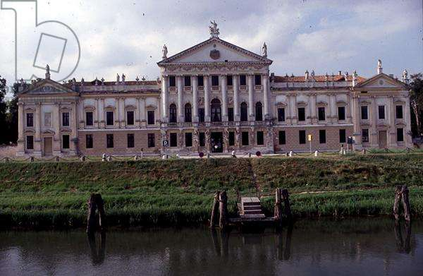 The facade of Villa Pisani, Stra, Veneto, Italy (photo)