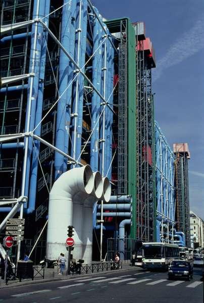 The Pompidou Centre, built in 1971-77 (photo)