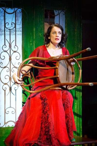"""Mirandolina"" by Carlo Osvaldo Goldoni, directed by Jonathan Munby, 2007 (photo)"