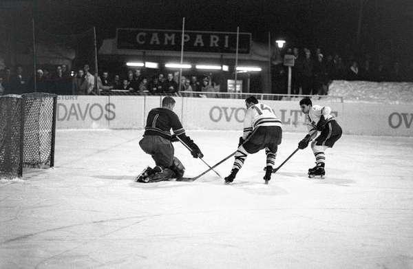 Spengler Cup, 1962 Spartak Prague Forshaga If (b/w photo)