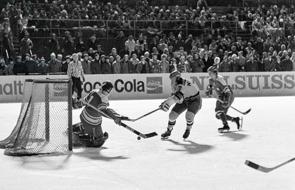 Spengler Cup, 1972 Switzerland Ilves Tampere (b/w photo)