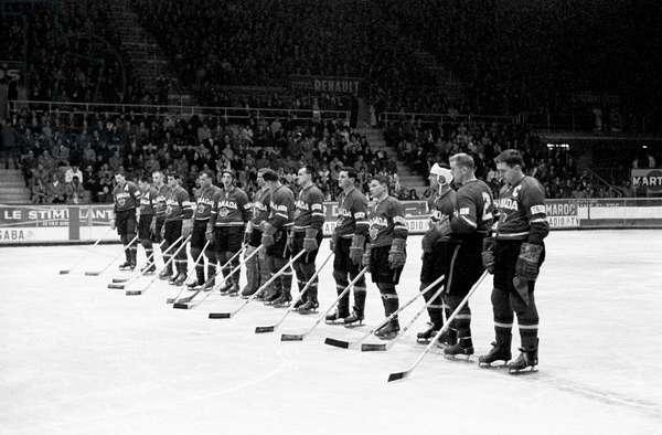 Switzerland Ice Hockey World Cup, 1961 Can Swe (b/w photo)