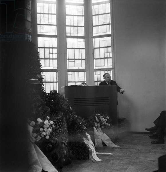 Switzerland Reading James Joyce Abdication, 1941 (b/w photo)