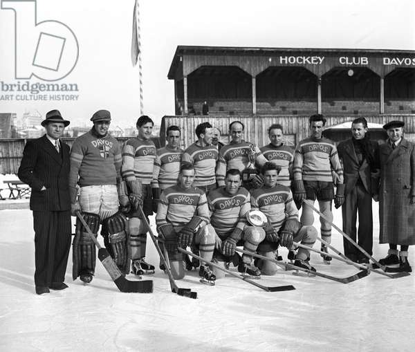 Hockey Spengler Cup Hcd Zsc, 1942 (b/w photo)