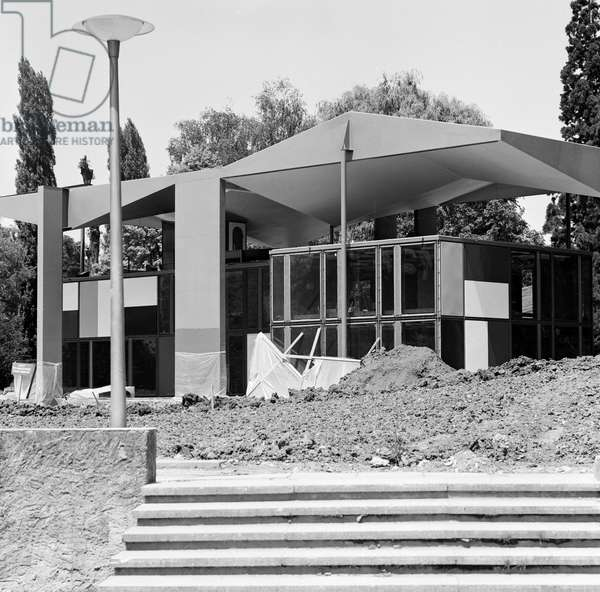 Switzerland Center Le Corbusier, 1967 (b/w photo)