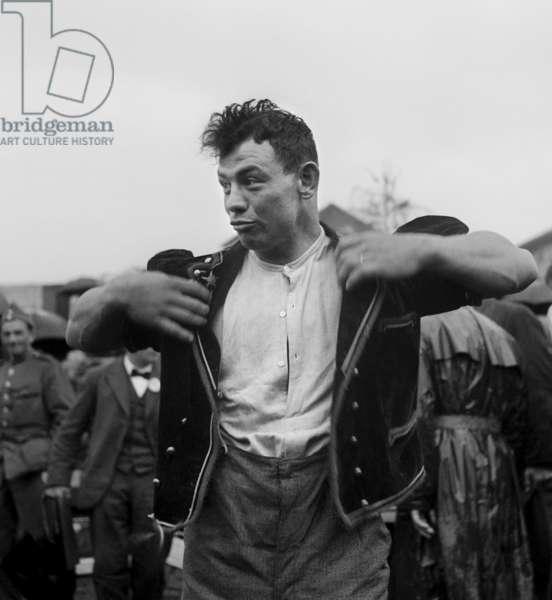 Switzerland Swing Mitt Ella Disches, 1941 Ostermundigen (b/w photo)