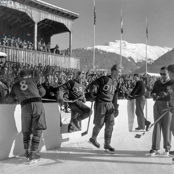 Spengler Cup, 1951 Hc Davos Hc Diavoli Rossoneri Milano (b/w photo)
