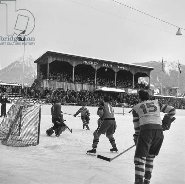 Spengler Cup, 1953 Hc Milano-Inter Hc Davos (b/w photo)