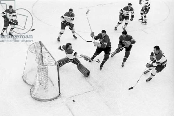 Switzerland Ice Hockey World Cup, 1961 Can Brd (b/w photo)