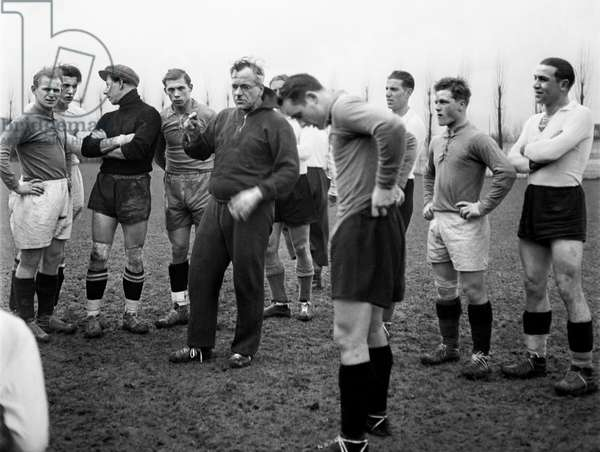 Football Henry Mueller, 1934 (b/w photo)