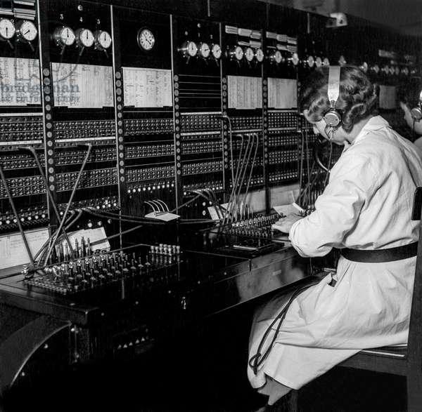 Switzerland Post Telephone, 1940 (b/w photo)