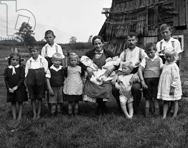Switzerland Attinghausen Family (b/w photo)